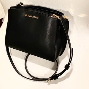 Super Cute Michael Kors MINI Rochell Crossbody Bag